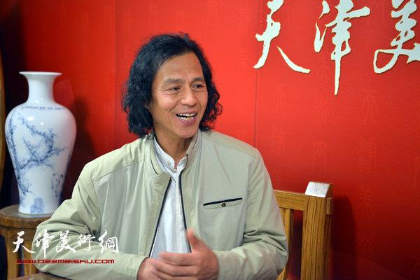 著名画家李爱民做客天津美术网