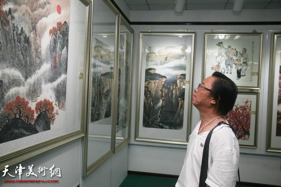 河东区举行纪念抗战胜利70周年书画作品展