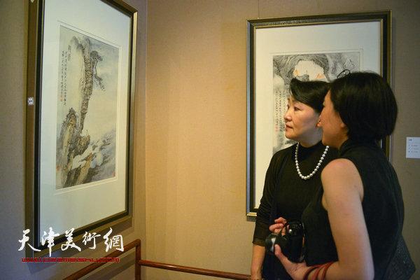 """""""空境·李旭飞山水画作品展""""8月29日在鼎天美术公馆开幕。图为现场。"""