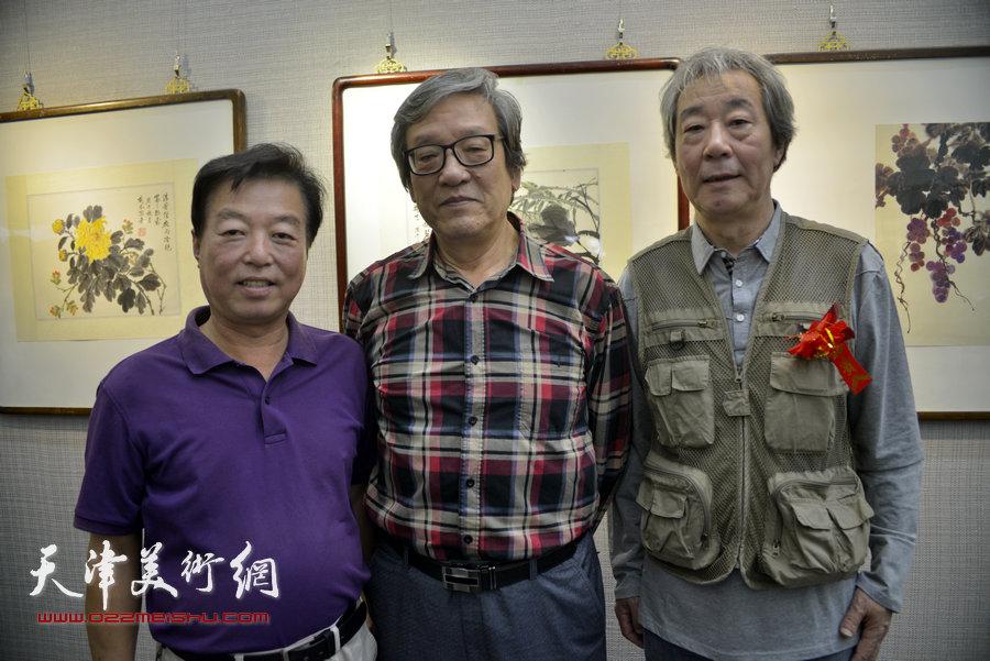 左起:杨建国、王家斌、张亚光