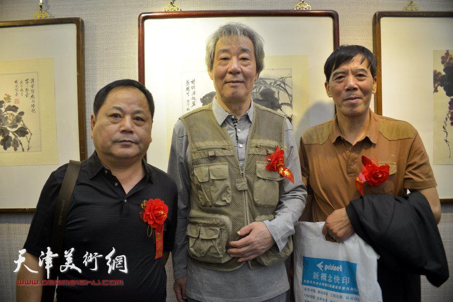 左起:王鸿贵、张亚光、于凤江