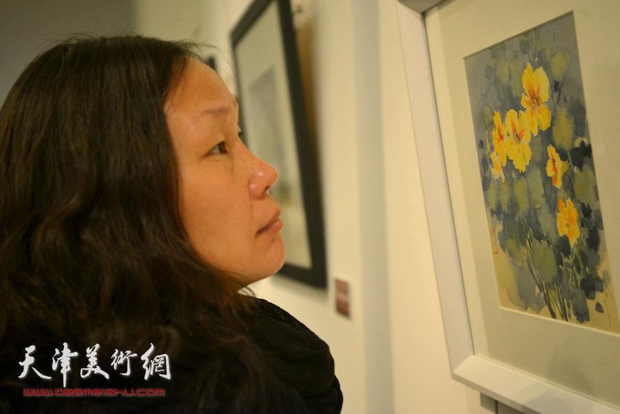 王双成水彩艺术回顾展现场。