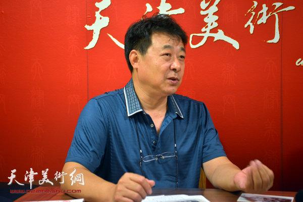 著名画家左锡云做客天津美术网