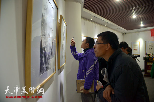 图为大雅清韵—天津青年中国画六人展览现场。