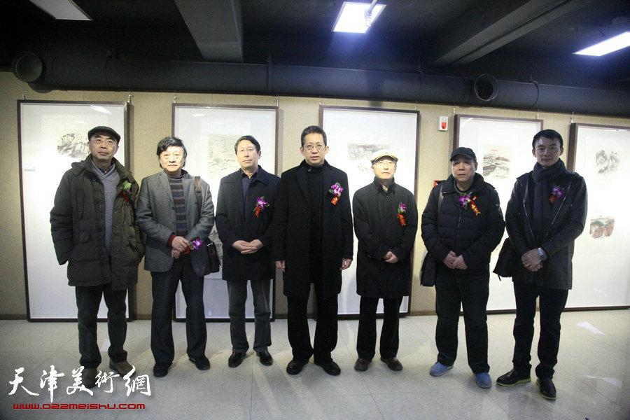 刘玉社小幅水墨新疆山水画作品展在天津人美社开幕
