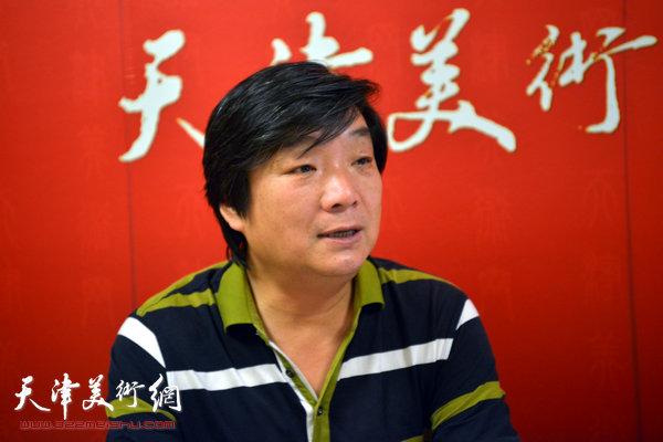 著名花鸟画家翟洪涛做客天津美术网