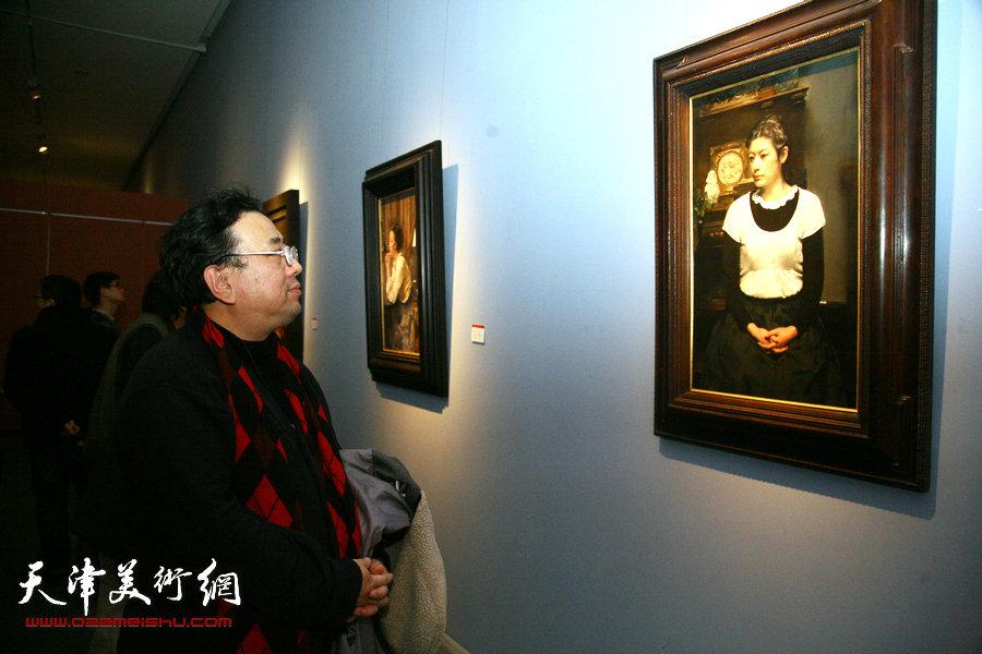 2015中国写实画派十一年展在天津美术馆开展。