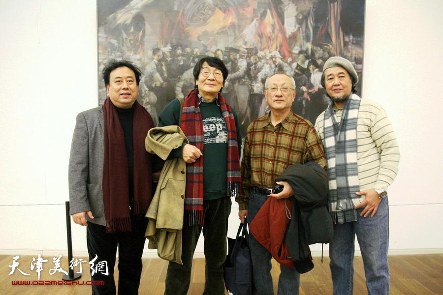 左起:高建章、张胜、张京生、华克齐在画展现场