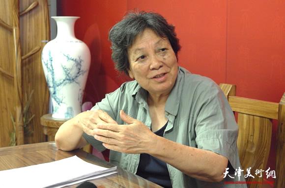著名画家张振群做客天津美术网