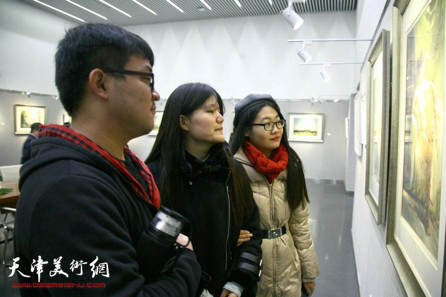 自游·自在—石增琇水彩画作品展展览现场。