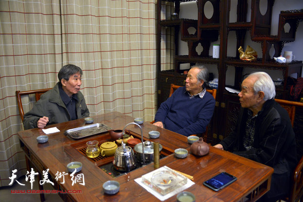 姬振岭与纪振民、姬俊尧在天津美术网交谈