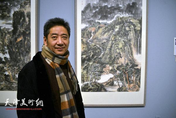 王爱宗在山东举办第二届中国梦·翰墨缘五画院联展上。