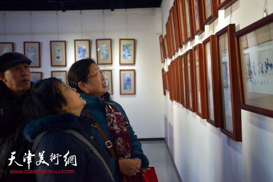 天津首届百名艺术家瓷板艺术邀请展