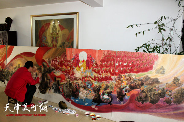 图为李寅虎在创作《班禅东行》。