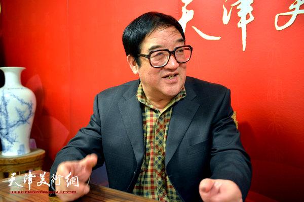 著名画家卢贵友做客天津美术网
