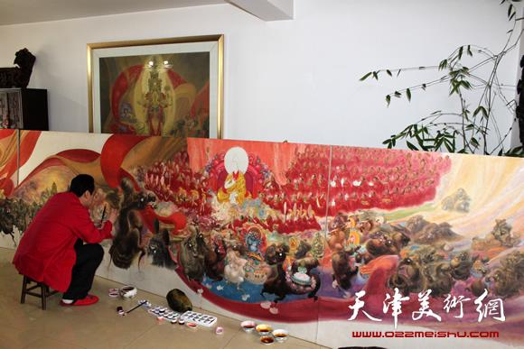 李寅虎正在创作作品《班禅东行》