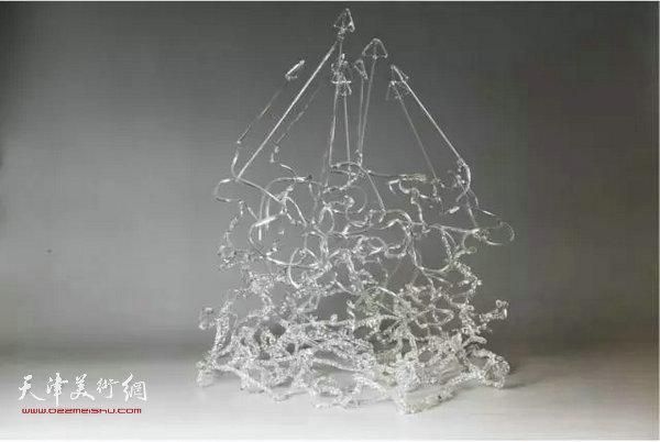 天津美院9名学生入选传统手工艺玻璃灯工作品展