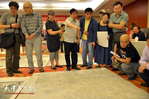 范扬与中国美术家协会主席刘大为在天津。