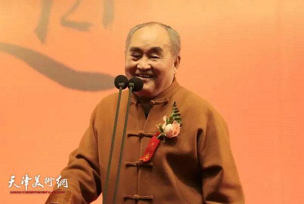 孙伯翔先生致答谢辞。