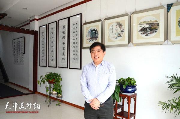 王文元在烟台展览现场