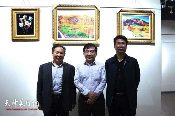 王文元与李总及相关领导在蓬莱展览现场