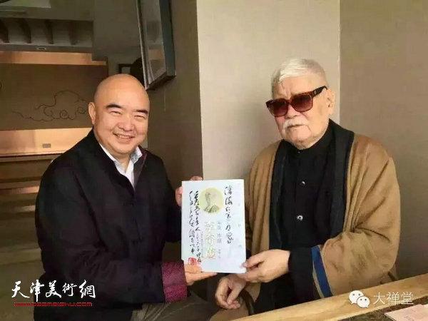 尹沧海教授和李奇茂先生