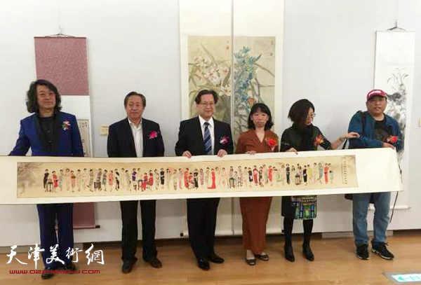 中日文化交响宴——第十回湖都古都艺术展日前在日本京都市立美术馆隆重开幕。
