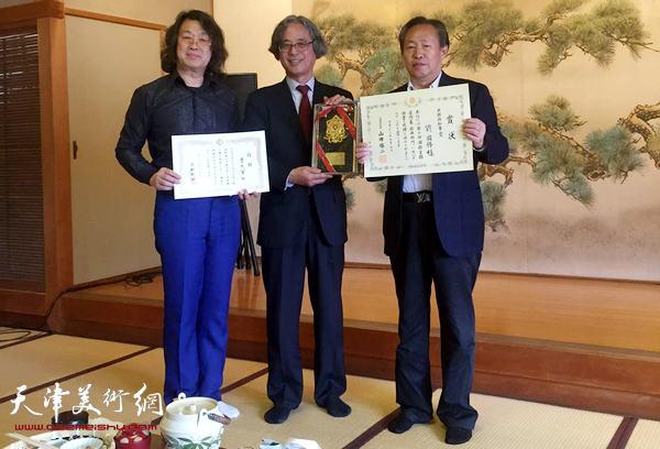 刘国胜先生获京都府知事大奖。