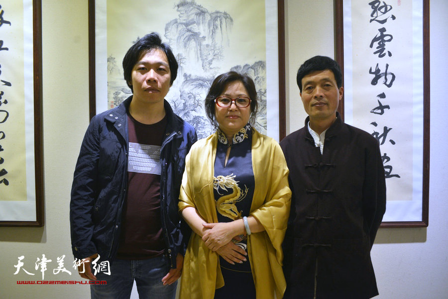 """高清图:津门画坛""""黑马""""冯海娇中国画作品全球巡展天津"""