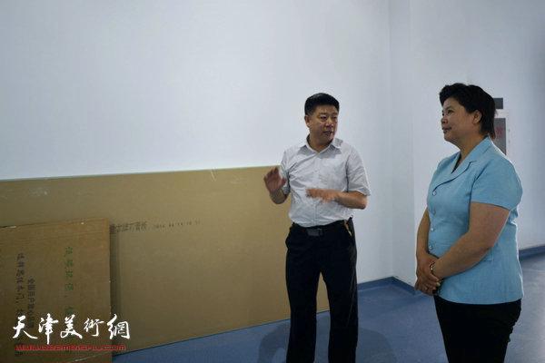 天津西青区委常委、宣传部长刘红到金带福路文化传播中心调研。