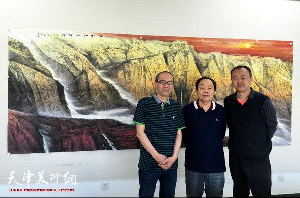 著名画家向中林、柴博森在金带福路文化传播中心。