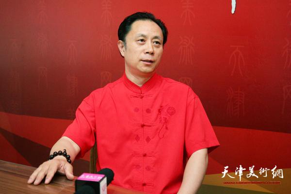 著名画家张大功做客天津美术网 (1)