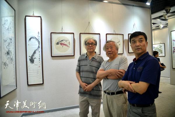 刘国胜,李增亭花鸟画作品展在天津图书大厦开幕