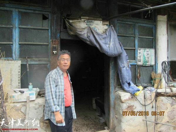 李东升在蓟县黄崖关下走访农户。