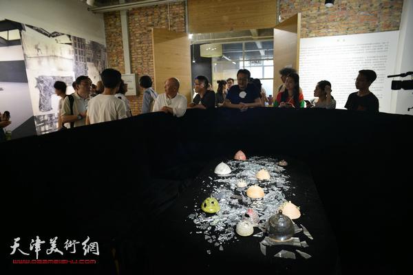 天津美院综合艺术文献展