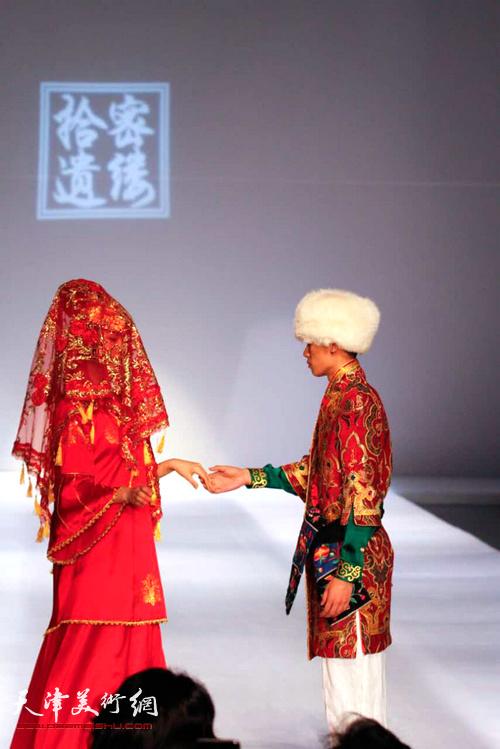 曹敬钢现代撒拉族服饰设计作品。