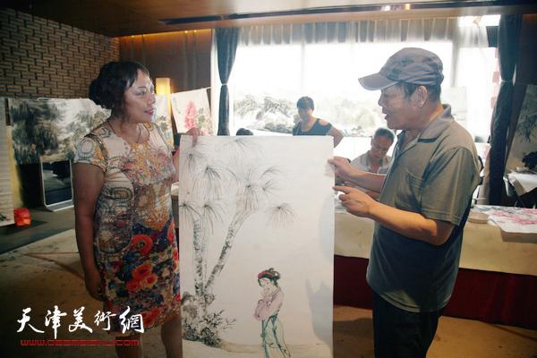 天津书画名家作品惠民展卖活动在融创中心举行