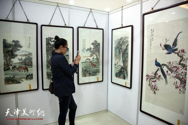 松风新韵-溥氏家族及传人画展现场。
