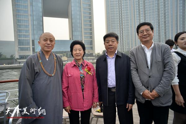 曹秀荣、智如、张佩刚、张养峰在启动仪式上。