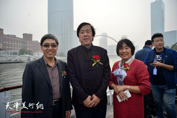 邵佩英、陈起平、袁文兰在启动仪式上。