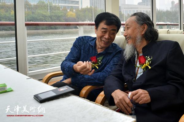 刘栋、姜维群在启动仪式上。