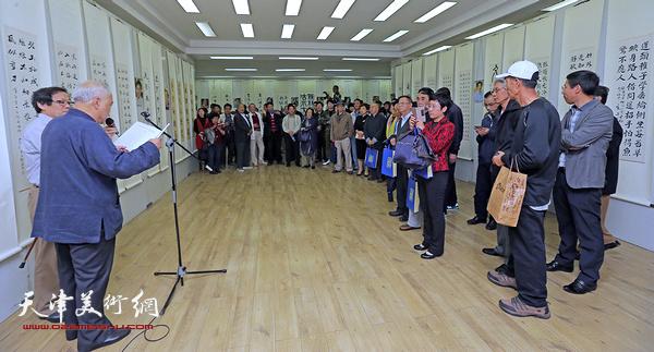 """""""顾志新师生暨道友诗联书印合璧展""""日前在天津市美术馆开幕。"""