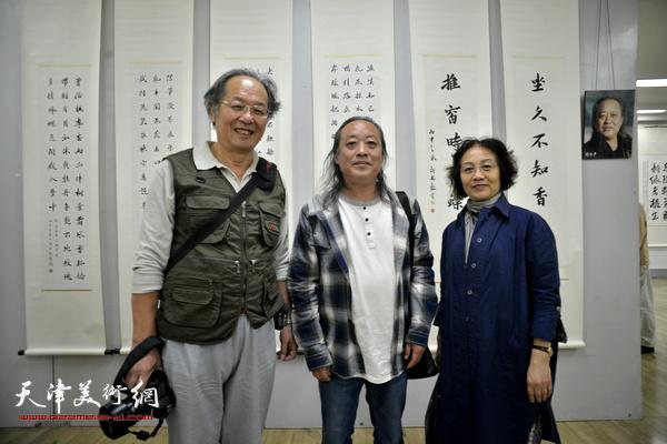 左起:姜钧杰、胡振声、李淑香、
