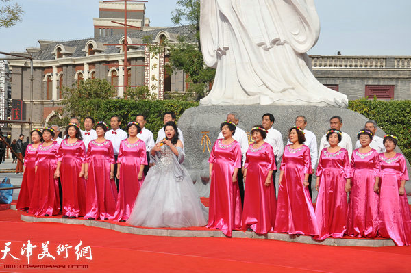 女声独唱天耀中华