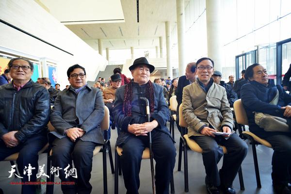 左起:周志高、商移山、孙伯翔、张建会、王全聚在开幕仪式现场。