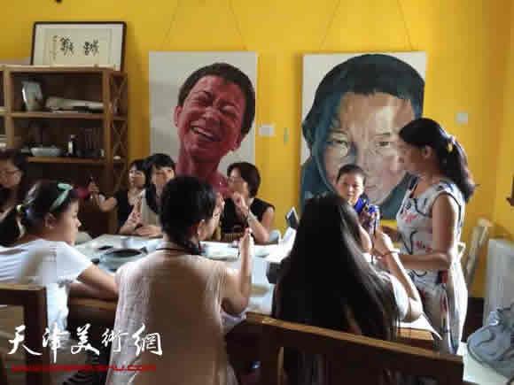 庄雪阳在讲课