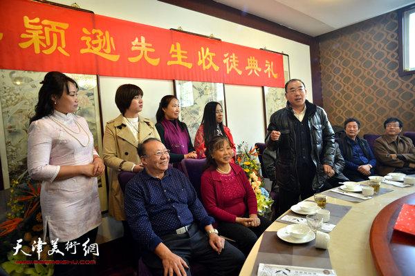 天津市政协书画艺术研究会书法艺术研究院秘书长陈宁到场祝贺。