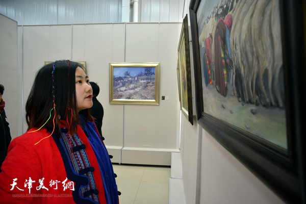 九月艺术沙龙第四届油画展