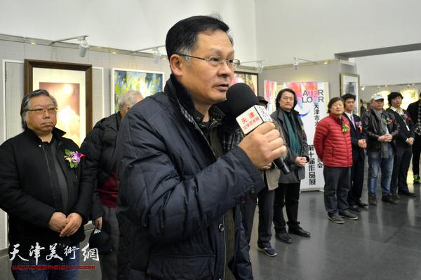 天津市美术家协会副秘书长潘津生致辞。