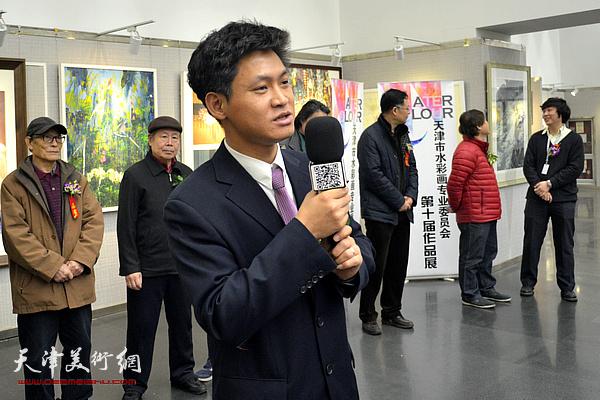 韩国美捷乐中国大区总经理李德林祝贺画展开幕。